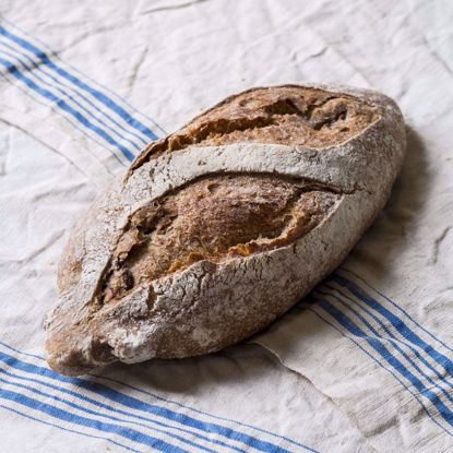 Afbeeldingen van Walnotenspecerijenbrood - 300 gram                            - VRIJDAG & ZATERDAG